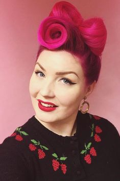 Fascinating Victory Rolls Hairstyles: The Modern Take At The Vintage Trend ★ Victory Rolls, Victory Roll Hair, Long Bob Hairstyles, Fancy Hairstyles, Ponytail Hairstyles, Rockabilly, Vintage Hairstyles Tutorial, Vintage Updo, Roll Hairstyle