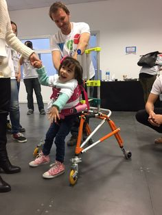 APRISA - TOM is a Global community of Makers helping people  with disabilities, developing open source  technological solutions for their  challenges. We worked with Isabela, a 3 years old girl with cerebral palsy. We had two months to create for her a walker. Now she can walk by herself.