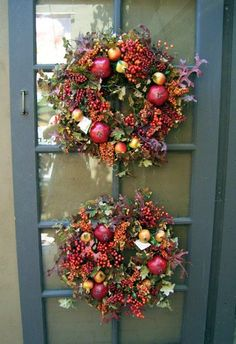 Fall Decorating Ideas for Your Porch, Yard & Outdoor Spaces: Double Wreaths