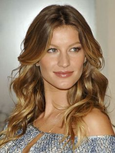 "Gisele Bundchen, 2005 ""Long layers all around, piece-y ends, and slight layering next to her face cr. 2015 Hairstyles, Celebrity Hairstyles, Pretty Hairstyles, Wedding Hairstyles, Toddler Hairstyles, Girl Haircuts, Casual Hairstyles, Pixie Haircuts, Layered Haircuts"