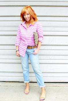Gingham shirt, leopard clutch and boyfriend jeans. Using print mix and a half tuck to keep it interesting. Fashion Fairy Dust style blog.