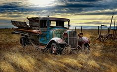 places where has on the things people abandoned. Vintage Trucks, Old Trucks, Farm Trucks, Pickup Trucks, Abandoned Cars, Abandoned Places, Abandoned Vehicles, Classic Trucks, Classic Cars