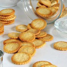 CRACKERS RITZ HOMEMADE,  per la #ricetta visita il mio #blog in bio ✔ blog.giallozafferano.it / idolciditatam / ✔  #dolcicreazionitatam #instagood #ricettadelgiorno #foodblogger #giallozafferano #gialloblogs #istafood #comfortfood #italian #coffeetime #recipe #ricetteperpassione #bellobuonoesano #foodgasm #snack #food #italianfoodblogger #recipe #ricette