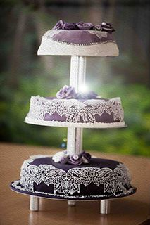 Love this one, too! Lila lace dream wedding cake for our purple wedding. See more on www.kuchenkoenigin.de or www.facebook.com/diekuchenkoenigin