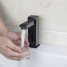 Single hole touchless electronic bathroom faucet in antique Black delivers terrific performance. Sold at US$106.99