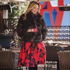 Happy Valentines Day! We wish you all the best!  On photo: crop sable fur, all sizes are available at #ADAMOFUR Поздравляем всех влюбленных с праздником!  На фото: шуба из соболя, все размеры в наличии у #ADAMOFUR