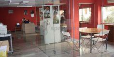Spacebee | Amplia oficina con entrada independiente y aula de formación compartida con ONG en Madrid
