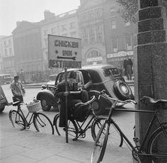 O'Connell St, 1946 - Fadó Fadó: Irish Memory: Old Dublin Photographs Dublin Street, Dublin City, Old Pictures, Old Photos, Vintage Photos, Young John Wayne, Hidden Art, Images Of Ireland, History Photos