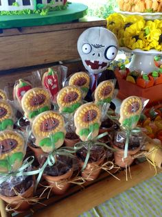 Festa Plants vs Zombies - cookies, biscoitos decorados | by Cookie Design