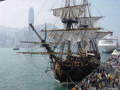 http://upload.wikimedia.org/wikipedia/commons/0/07/Ship_G%C3%B6theborg_%282%29.JPG