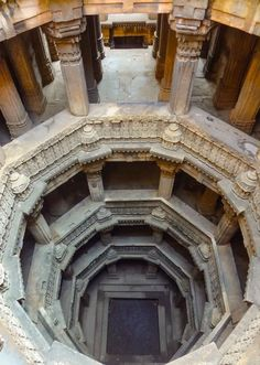 """Thirty years ago on my first of many visits to India, I saw a form of architecture entirely unknown to me. Called a """"stepwell"""" (but known throughout India by many other names including """"vav"""" and """"baoli""""). Architecture Antique, Architecture Cool, Indian Temple, Jain Temple, Temple India, U Bahn, Ahmedabad, Incredible India, Abandoned Places"""