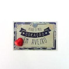 Postal + chocolate coração Chocolate, Signs, Home Decor, Good Things, Productivity, Products, Room Decor, Schokolade, Shop Signs
