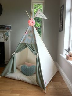 Girl's Tepee play tent with Floral Topper & by MapleandSpudDesigns Teepee Play Tent, Teepee Party, Teepee Kids, Teepees, Forts, Diy Teepee, Soft Furnishings, Girl Room, Home Crafts