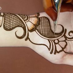 Mehndi Designs Front Hand, Modern Henna Designs, Latest Arabic Mehndi Designs, Mehndi Designs For Kids, Mehndi Designs Feet, Latest Bridal Mehndi Designs, Stylish Mehndi Designs, Mehndi Designs Book, Mehndi Designs For Beginners