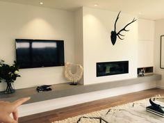 Living Room Decor Fireplace, Fireplace Tv Wall, Living Room Wall Units, Basement Fireplace, Fireplace Design, Home Living Room, Minimalist Fireplace, Modern Fireplace, Inside Home