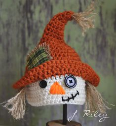 Crochet Crochet Scarecrow Hat by J. Love, Scarecrow Hat by J. Crochet Scarecrow Hat by J. Chat Crochet, Crochet Kids Hats, Crochet Beanie Hat, Crochet Amigurumi, Crochet Fall, Holiday Crochet, Crochet Crafts, Crochet Projects, Newborn Crochet Hats