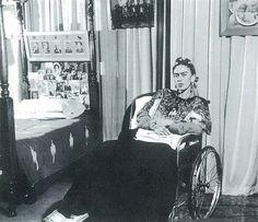 Frida Kahlo davidcharlesfoxexpressionism.com
