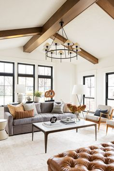56 Stunning Living Room Design Ideas That Looks Cool Living Room Inspo, Room Remodeling, Farm House Living Room, Narrow Living Room, Cozy Living Rooms, Living Room Remodel, Living Decor, Home Decor, Living Spaces