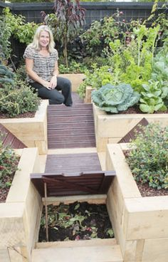 Ellerslie International Flower Show - I love this! Looks like a raised pallet  walkway - for the compost between beds!
