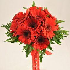 Buchet de mireasa doar la 123flori Nasa, Floral Wreath, Wreaths, Plants, Floral Crown, Door Wreaths, Deco Mesh Wreaths, Plant, Floral Arrangements
