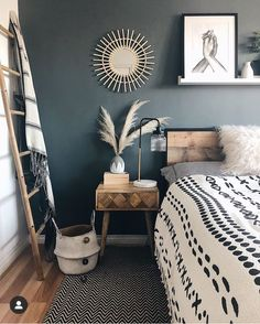 home accents on a budget Read more about 8 Cheap Things to Maximize a Small Bedroom. Dark Accent Walls, Bedrooms With Accent Walls, Black Bedroom Walls, Dark Walls, Home Decor Bedroom, Nordic Bedroom, Bedroom Bed, Wooden Furniture Bedroom, Industrial Bedroom Decor