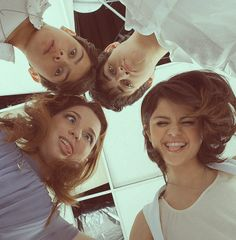 Image in Selena Gomez collection by Antonia Radu selena gomez, david henrie, and wizards of waverly place image Hannah Montana, Alex Russo, Icarly, Disney Stars, Disney Love, Selena Gomez Tumblr, Old Disney Shows, David Henrie, Old Disney Channel