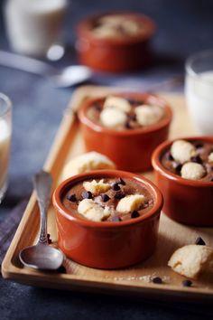 Mousse au chocolat aux pépites de chocolat et éclat d'amarettis   chefNini
