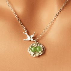Mother's necklace, customizable for the appropriate birthstones of your kids!  LOVE IT!