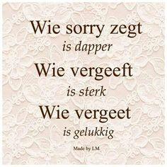 Mooie sterke tekst. Best Friend Poems, Dutch Words, Broken Friendship, Jokes Quotes, Qoutes, Change, Mood Boards, Cool Words, Slogan