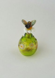 *Bee and daisies perfume bottle by LiNda Ruth WiLSoN