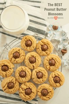 The best peanut butter blossoms made with a thick soft and chewy peanut butter cookies and a chocolate kisses pressed in the middle. Peanut Butter Blossom Cookies, Chewy Peanut Butter Cookies, Best Peanut Butter, Cookie Recipes, Dessert Recipes, Yummy Recipes, Soup Recipes, Recipies, Tostada Recipes