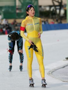 Girls Sports Clothes, Sporty Girls, Derby Football, Backless Playsuit, Roller Derby Girls, Female Volleyball Players, Ski Girl, Female Gymnast, Female Athletes