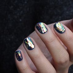 Holographic Shattered  Glass Nails @jeaninesofia
