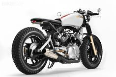 "Custom 1982 Yamaha Virago named ""Buzz Saw"" Virago Cafe Racer, Yamaha Virago, Cafe Racer Tv, Virago 535, Motos Yamaha, Moto Cafe, Scrambler, Goldwing Bobber, Cb750 Cafe"