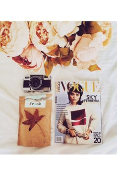 how to master the flatlay // vogue Fashion Blogger Instagram, Cool Typography, Instagram Tips, Business Fashion, Flat Lay, Inspiration, Ig Store, Photography Tricks, Autumn Colours