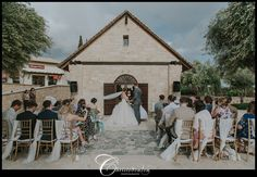 Roxie+&+Eliot++–+Sensatori+Resort+Aphrodite+Hills+Wedding