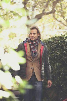 Dando un paseo por el jardín en otoño, nos vestimos en www.macson.es