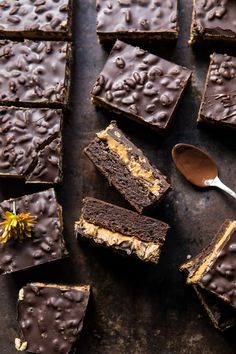 over head photo of Triple Layer Peanut Butter Crunch Brownies Three layers of sweet, chocolate deliciousness. One fudgey brownie layer, one creamy peanut butter layer, and one crunchy chocolate layer. Deliciously over the top indulgent! Peanut Butter Crunch Recipe, Peanut Butter Cookies, Chocolate Peanut Butter, Melting Chocolate, Toffee Recipe, Cookie Dough Cake, Chocolate Chip Cookie Dough, Chocolate Brownies, Chocolate Desserts