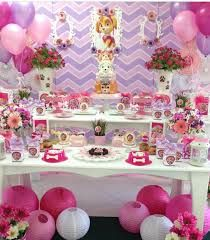 Candy bar de paw patrol - Celebrat : Home of Celebration, Events to Celebrate, Wishes, Gifts ideas and more ! Girl Paw Patrol Party, Sky Paw Patrol, Paw Patrol Birthday Theme, Fete Anne, Puppy Birthday, Puppy Party, 4th Birthday Parties, 3rd Birthday, Deco Table