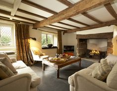 Cinnamon Cottage self-catering cottage, Higher Ashton, Devon - PintoPin Cosy Interior, Interior Design Living Room, Cottage Living Rooms, Home Living Room, English Cottage Interiors, Modern Cottage, Cozy Cottage, Inglenook Fireplace, Up House
