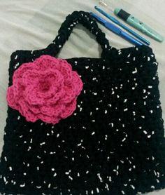 Bolsa em crochet com malha.😘😘
