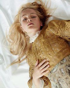 Vogue Korea December 2016 Jean Campbell by Hyea Won Kang - Fashion Editorials