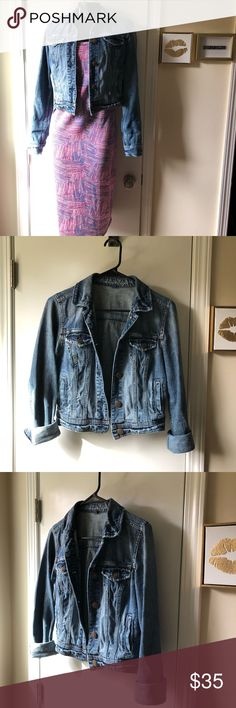 🦄American Eagle Denim Jacket🦄 Perfect wardrobe staple, this jacket is trendy and easy to wear! Slightly distressed front. Excellent condition. Can be worn with sleeves rolled or down. Size Small. Smoke free home. No trades. Thanks for looking! ( LulaRoe dress in picture is also for sale in my closet) American Eagle Outfitters Jackets & Coats Jean Jackets