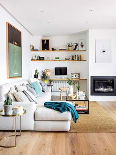 Generous conducted fast and easy living room design and decor for beginners Count me in! Living Pequeños, Home And Living, Living Spaces, Simple Living, Living Room Storage, Living Room Interior, Living Room Decor, Living Room Styles, Living Room Designs