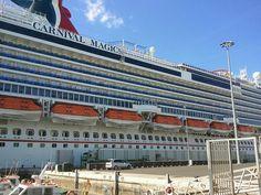 Carnival Magic,El puerto de la Luz y de Las Pal /Carnival cruise line