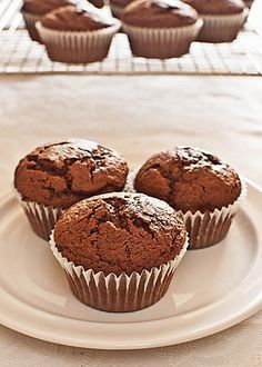Cómo hacer muffins de chocolate con Thermomix « Trucos de cocina Thermomix Healthy Banana Muffins, Banana Bread Muffins, Chocolate Chip Muffins, Strawberry Muffins, Vegan Muffins, Oatmeal Muffins, Chocolate Thermomix, Dessert Thermomix, Thermomix Cupcakes