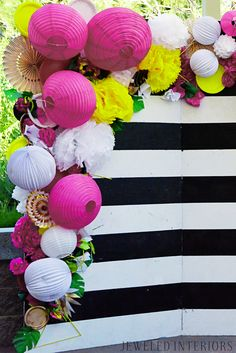 Best party decoracion ideas black and white photo booths 18 ideas Yellow Birthday, Flamingo Birthday, Flamingo Party, Pink Graduation Party, Photo Booth Backdrop, Photo Booths, Photo Backdrops, Yellow Balloons, Tropical Party