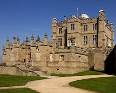 Bolsover occupies the hilltop site of a medieval fortress built by the Peverel family. The wealthy Sir Charles Cavendish - who already owned several other great mansions, including one only a few miles away - bought the old fortress in 1612 and began work on his Little Castle project.
