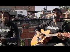 "PLAYING FOR CHANGE ""La Bamba"" - acoustic MoBoogie Rooftop Session"