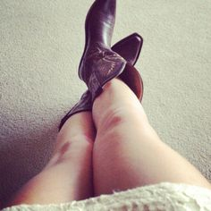 Cowboy boots<33